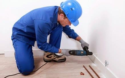 Extra radiatoren aanleggen of CV-ketel vervangen behoort ook tot de werkzaamheden van de gespecialiseerde verwarmings loodgieter.